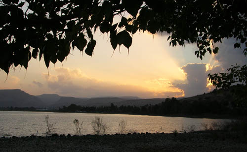 Sunset at Dalmanutha (Mark 8:10) at the northwest corner of the Sea of Galilee. Photo by Ferrell Jenkins.
