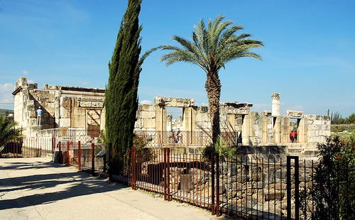 Reconstructed Capernaum synagogue from 4th or 5th century A.D. Photo by Ferrell Jenkins.
