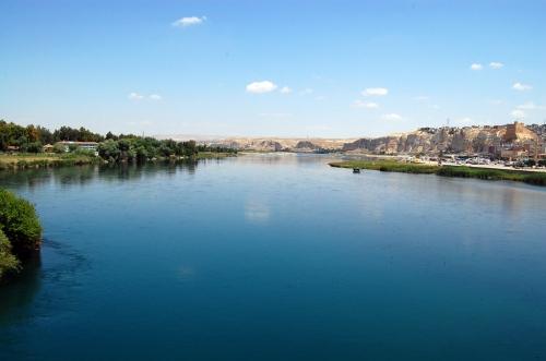 The Euphrates River at Birecik, Turkey. Photo by Ferrell Jenkins.