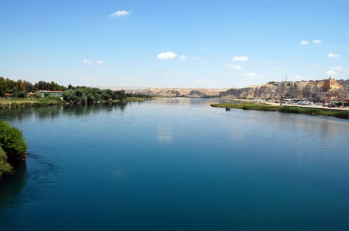 The Euphrates River at Birecik, Turkey. Photo by Ferrell Jenkins.