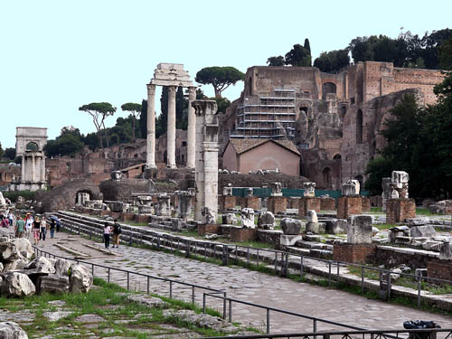 Roman Forum and Palatine Hill. Note the scaffolding on the hill. Photo by Ferrell Jenkins.