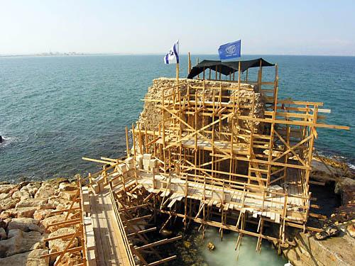 Repairing the wall of the Crusader Fortress at Akko. Photo: IAA.