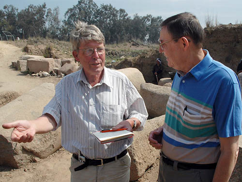 Prof. Christian Tietze and Ferrell Jenkins at Tell Basta, Egypt, 2005.