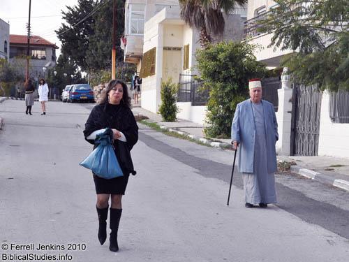 Samaritan man and woman on Mount Gerizim. Photo by Ferrell  Jenkins.