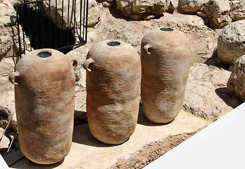 Pithoi displayed at the Ophel Site. Photo: Israel Antiquities Authority.