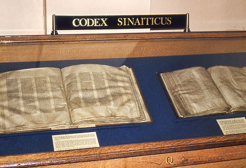 Codex Sinaiticus and Codex Alexandrinus displayed in the British Museum in 1976. Photo by Ferrell Jenkins.