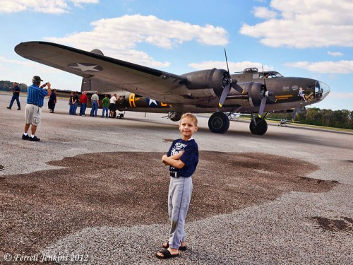 Passengers line up to take a short $450 ride on the Memphis Belle. Photo by Ferrell Jenkins.