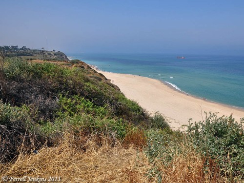 View south along the beach at Ashkelon. Photo by Ferrell Jenkins.