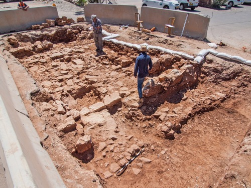Roman road excavated in the Beit Hanina community. Photo: Assaf Peretz, courtesy of the Israel Antiquities Authority.