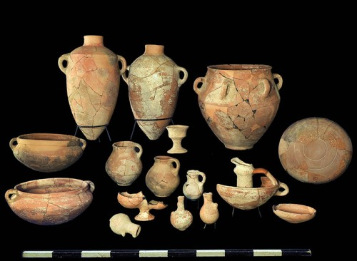 Finds from the site. Photographic Credit: Clara Amit, courtesy of the Israel Antiquities Authority.
