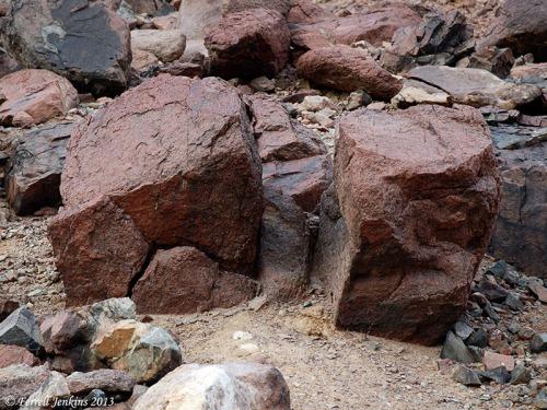 Granite rock on Mount Sinai (Jebel Musa). Photo by Ferrell Jenkins.