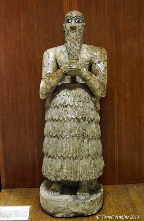 King of Mari statue in Damascus Museum. Photo by Ferrell Jenkins 2002.