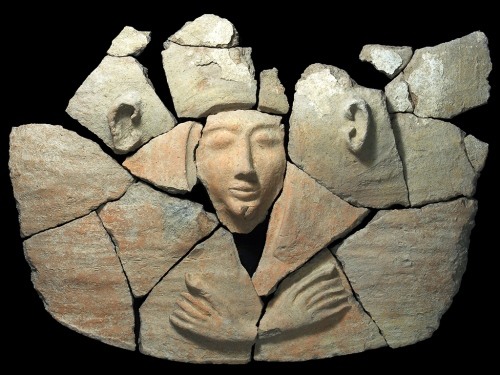 Coffin lid from Tel Shadud. Photo: Clara Amit, courtesy of the Israel Antiquities Authority.