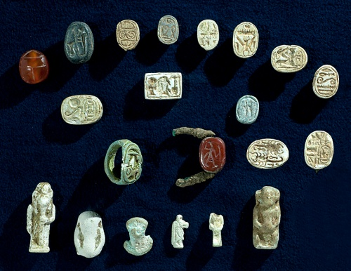 A collection of artifacts with characteristics of the Egyptian culture, which were discovered in the excavation. Photographic credit: Clara Amit, courtesy of the Israel Antiquities Authority.