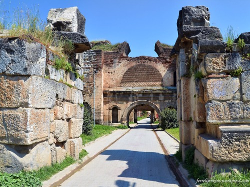 The Istanbul Gate in the north wall of Iznik/Nicea. Photo by Ferrell Jenkins.