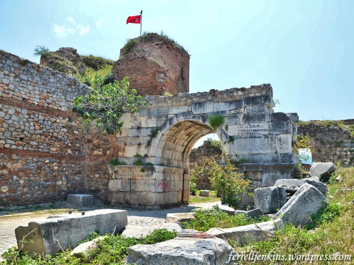 The Yenişehir Gate on the south side of Iznik. Photo by Ferrell Jenkins.
