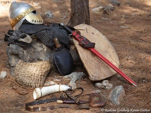 One of the soldier actors had his armor laid out to show what the Crusaders had to wear. History buffs reenact the crusaders as they ready to defend the formation known as the Horns of Hattin. Photo by Ruslana Goldberg-Kanin Teishov.