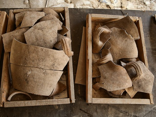 Shattered jugs, attesting to the destruction. Photo: Eliyahu Yani, courtesy of the City of David Archive.