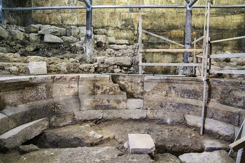 Israel Antiquities Authority excavation directors Dr. Joe Uziel and Tehillah Lieberman at the excavation site. Photograph: Yaniv Berman, courtesy of the Israel Antiquities Authority