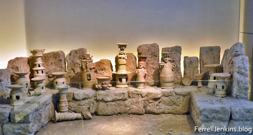 Edomite shrine assemblage from Hazeva (Tamar) in the Israel Museum. Photo by Ferrell Jenkins.