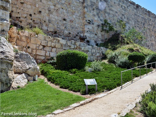 Jerusalem Garden Wall shows stones from various historical periods. Photo by Ferrell Jenkins.