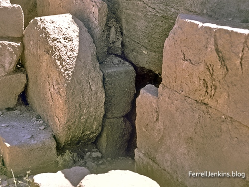 Roman tomb with rolling stone. Discovered at Heshbon, Jordan, in 1971. Photo: ferrelljenkins.blog.