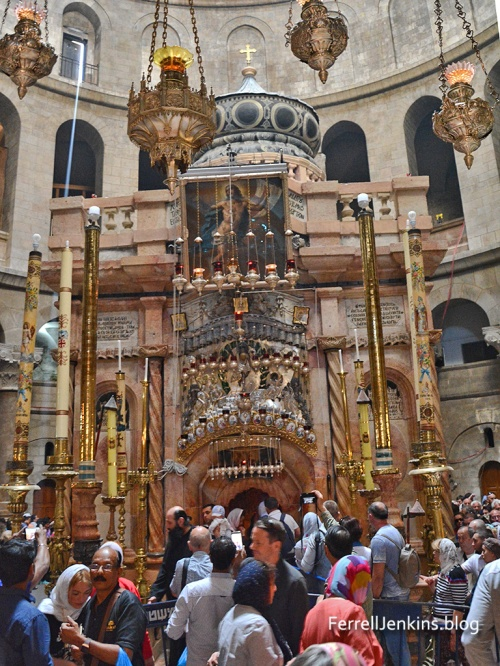 Holy Sepulchre, Jerusalem. Photo: ferrelljenkins.blog.