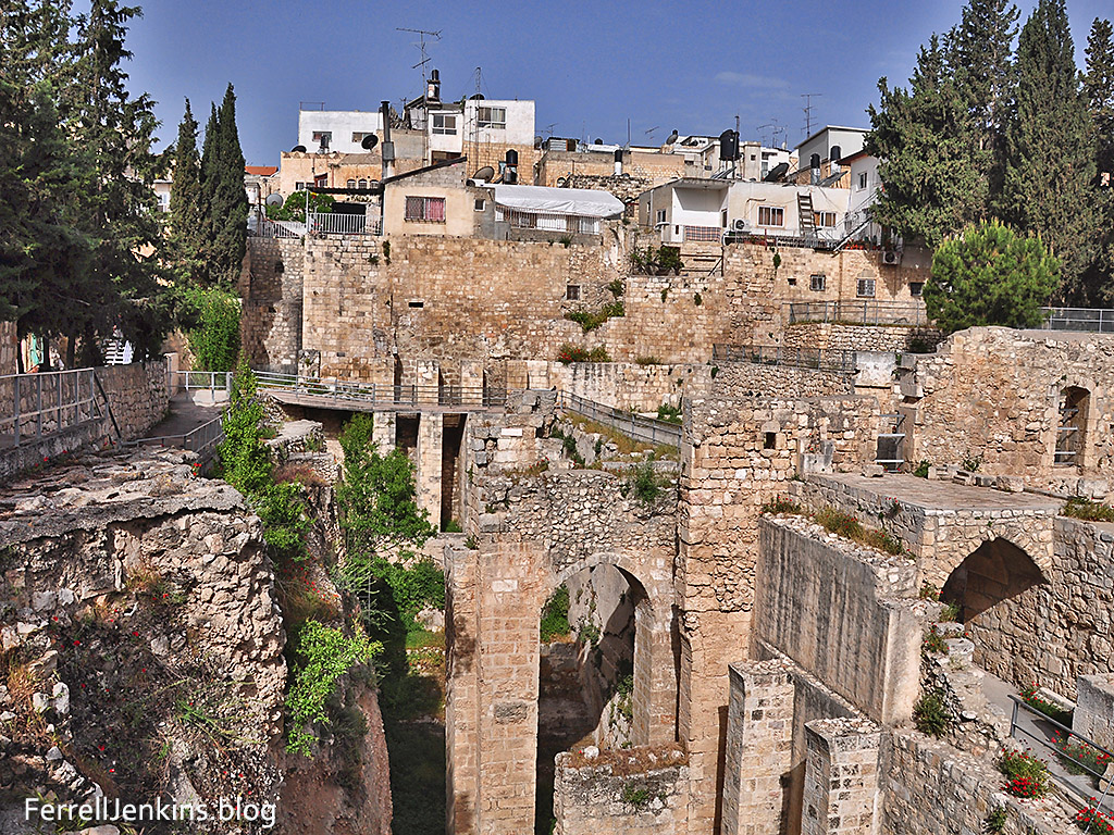 The Pool of Bethesda excavations. Photo: ferrelljenkins.blog.